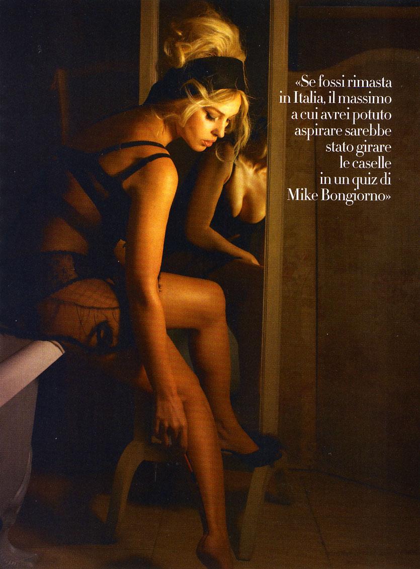 Секс с моника бенс 11 фотография