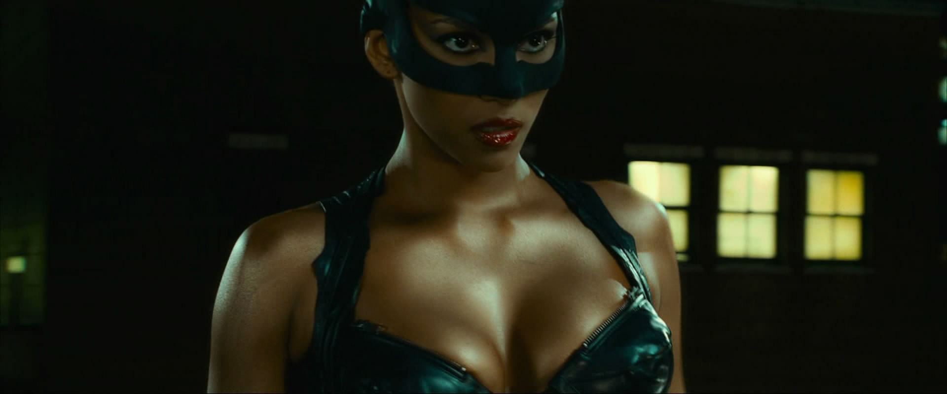 Catwoman halle berry sex lasbein exposed clip