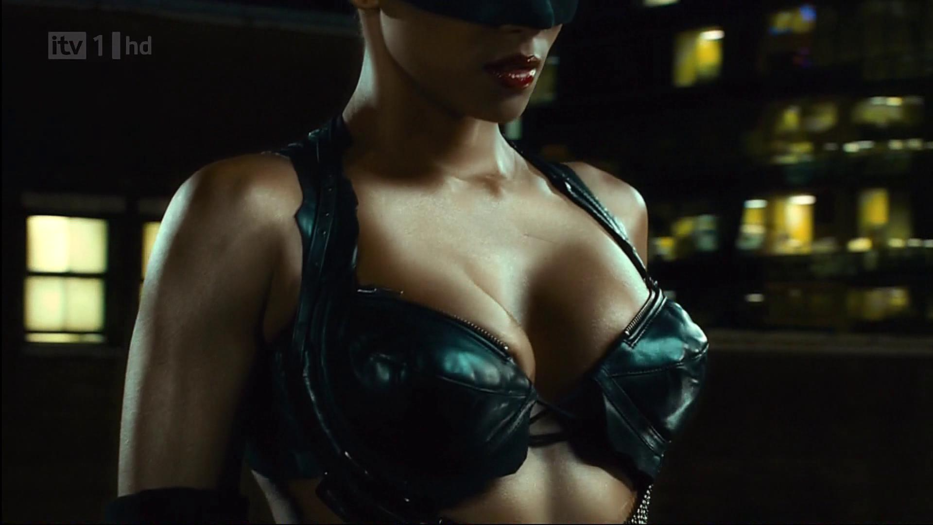 Catwoman halle berry sex lasbein sexual thumbs