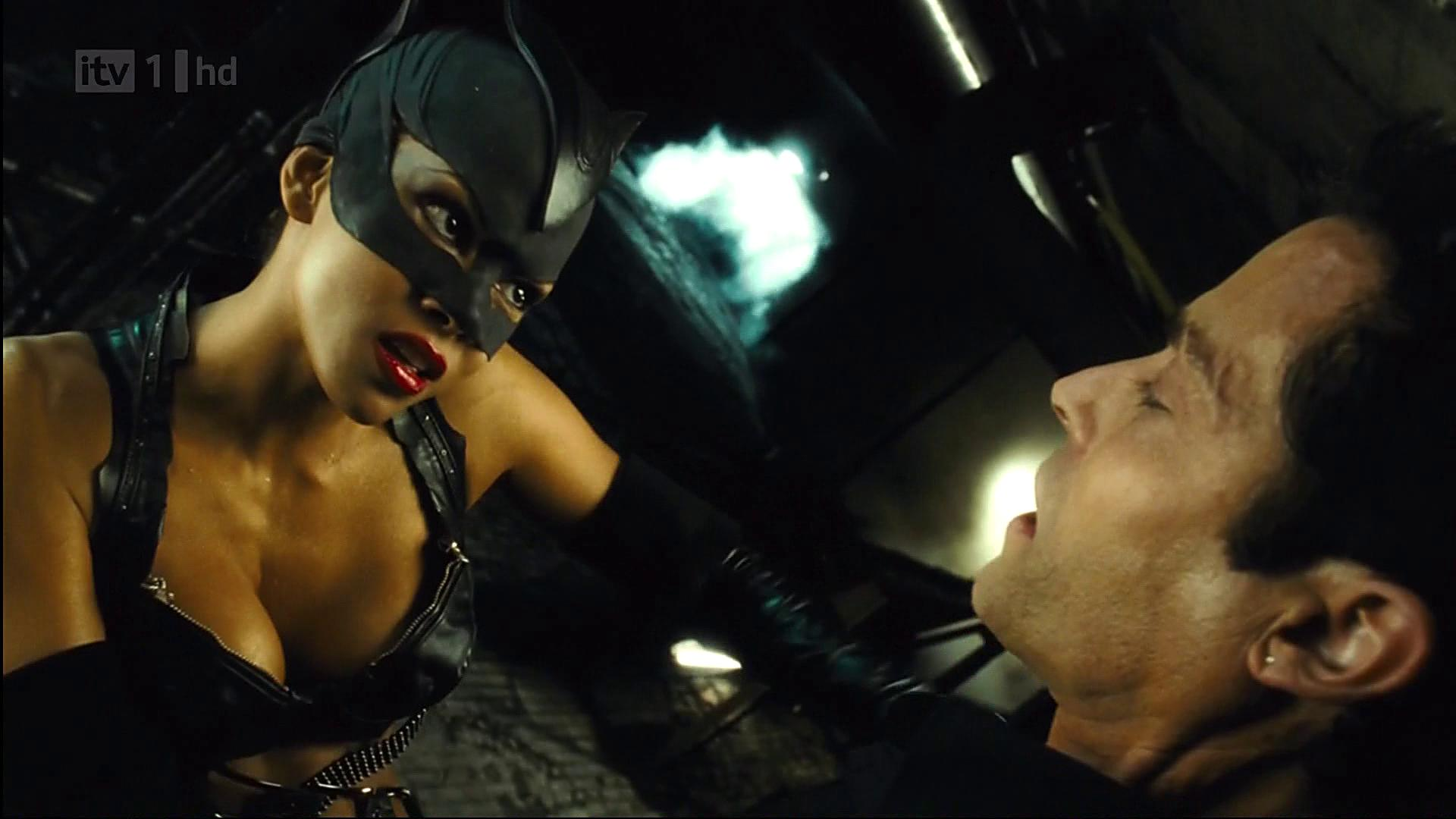 Catwoman halle berry sex lasbein exploited images