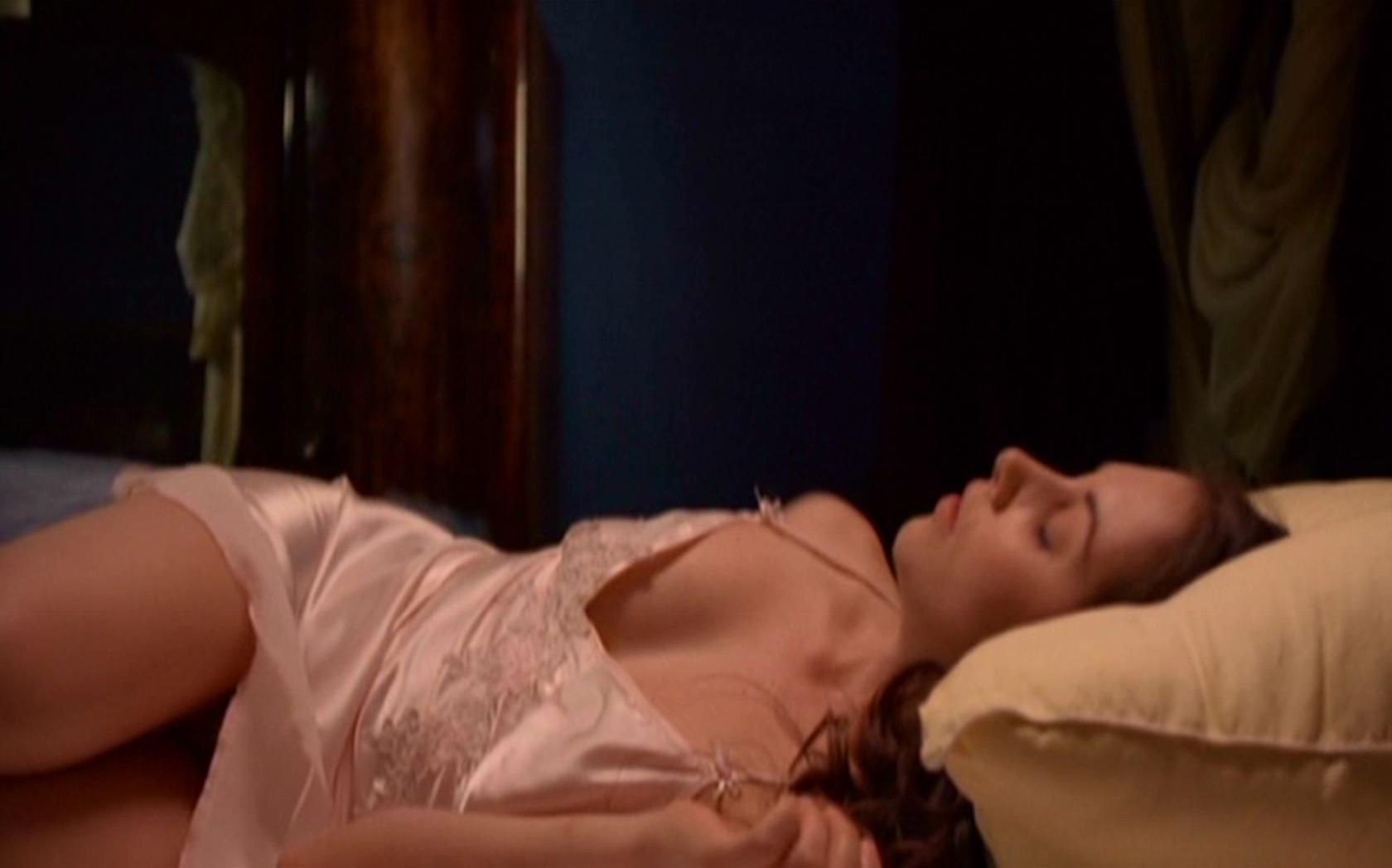 Actress rachel bilson nude