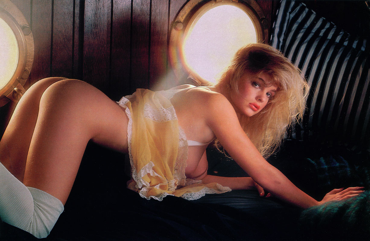 erika-eleniak-porno-video