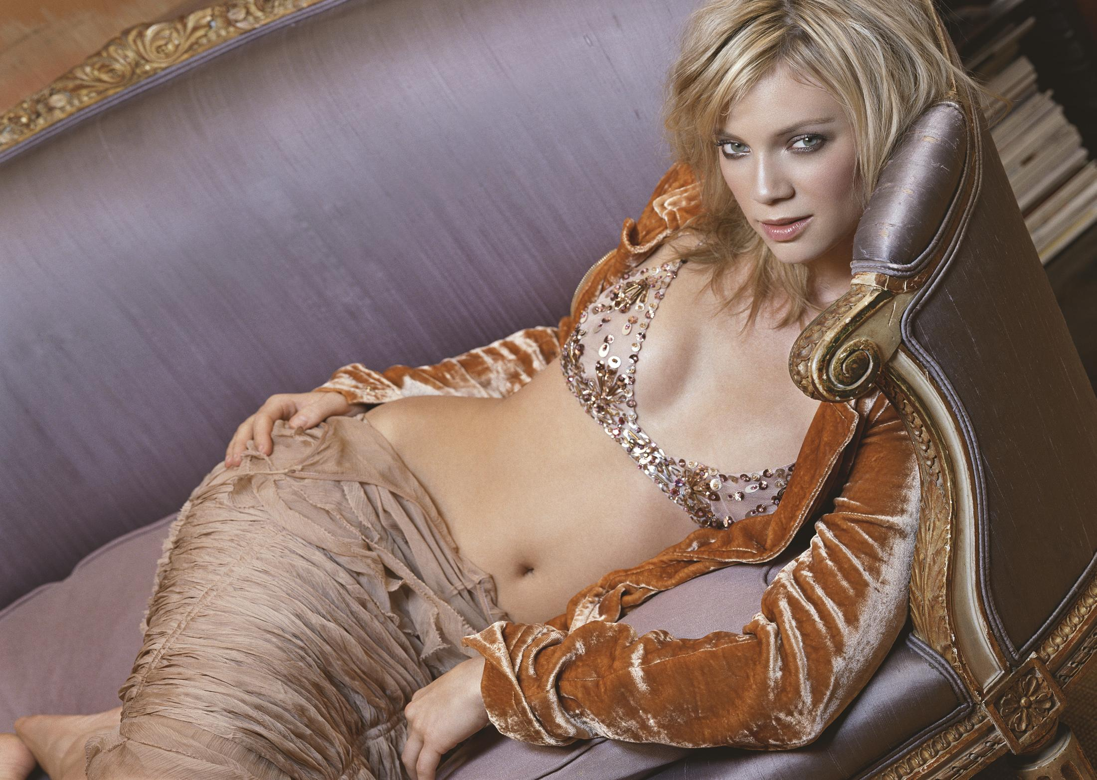 40 Fancy AF Birthday Party Outfit Ideas StyleCaster Amy smart hot photo