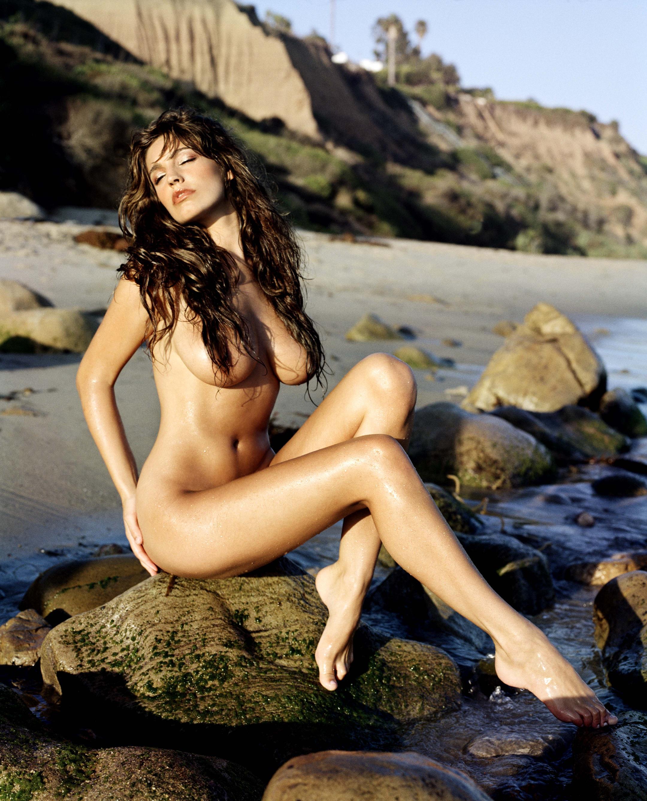 Фото девушек голышок на пляжу 20 фотография