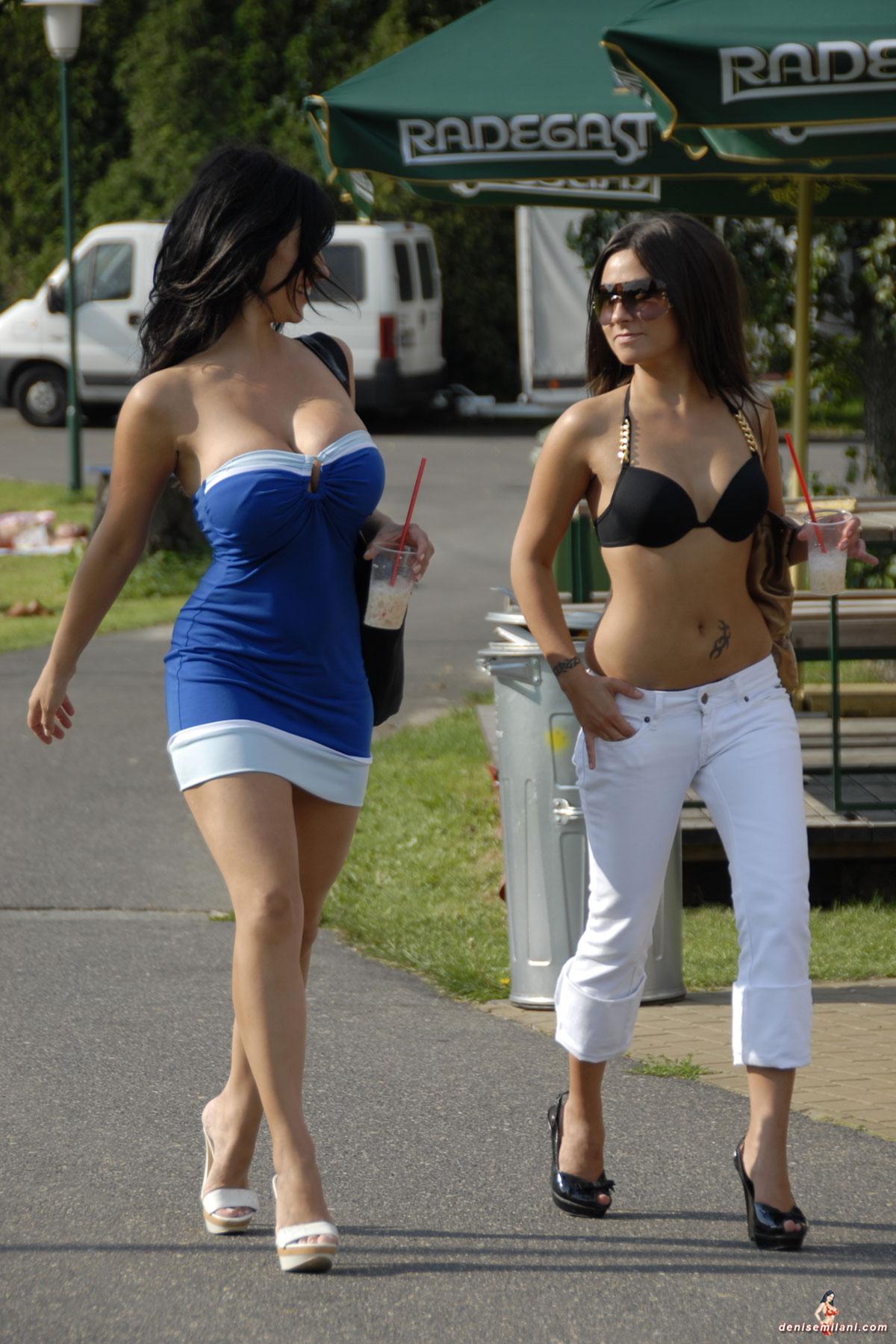 Фото женщин на улице из россии 13 фотография