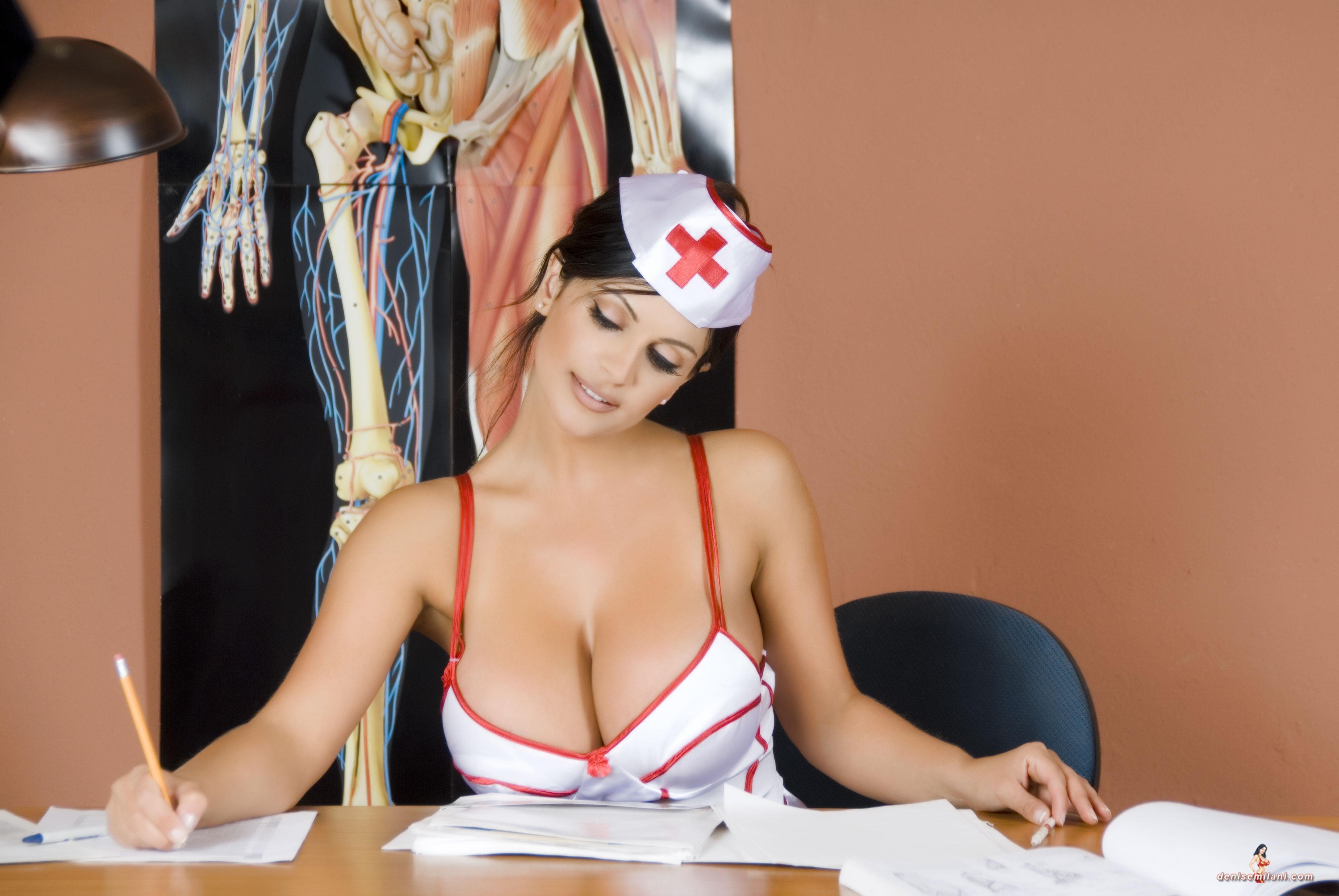 Сексуальные игры с грудью 15 фотография