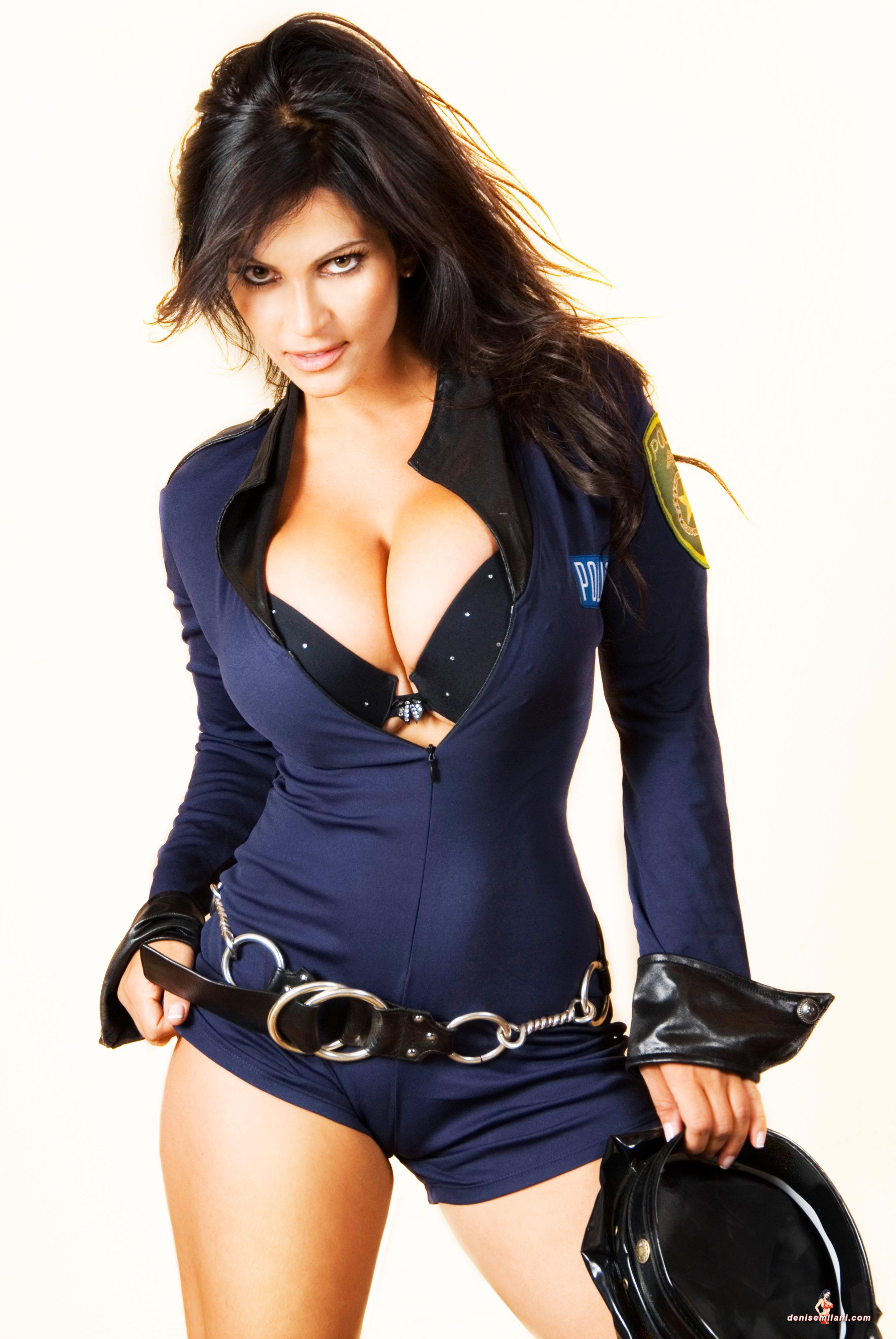 Телки полицейские в форме 9 фотография