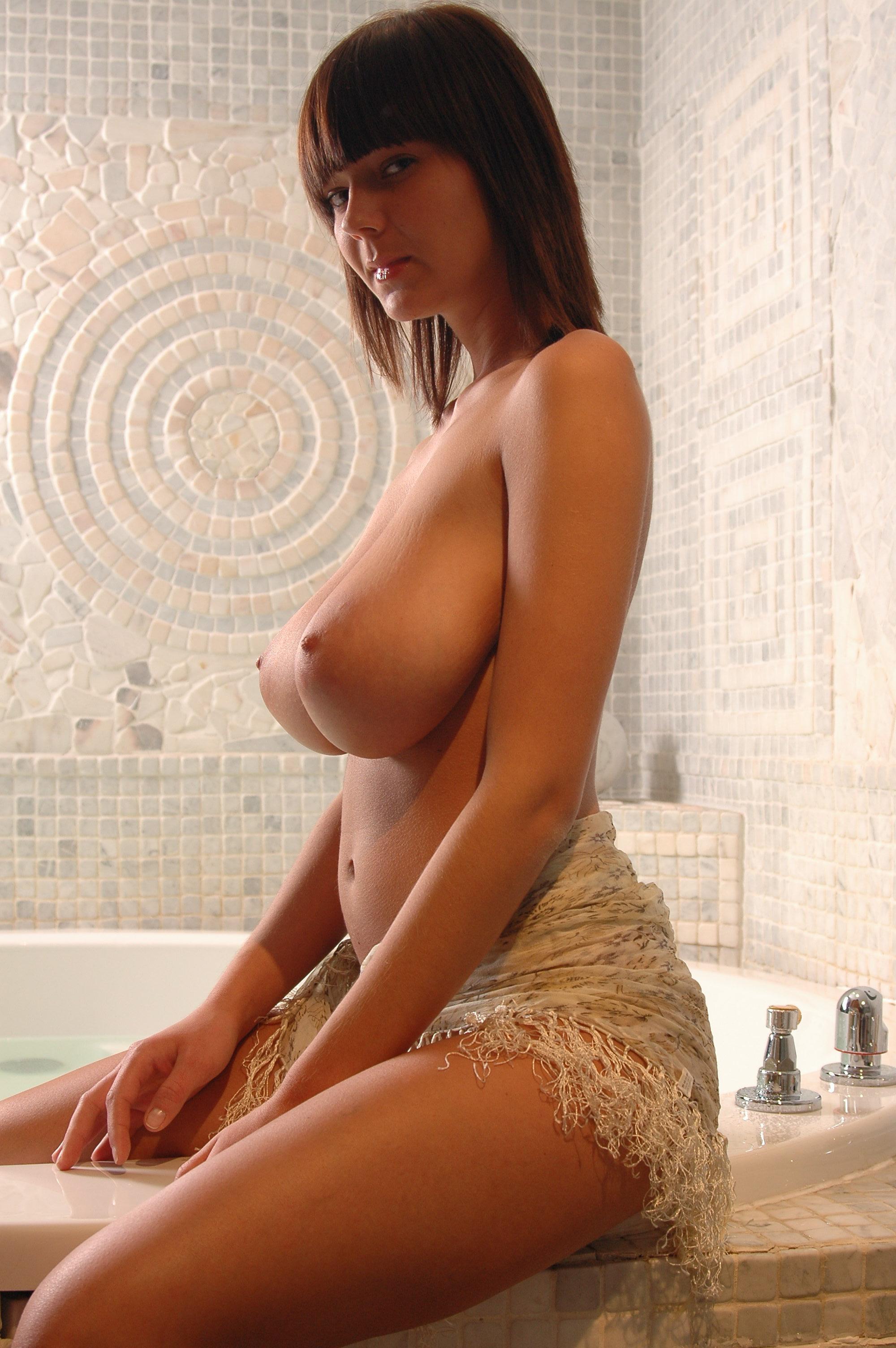 Худышка с грудью 3 размера 24 фотография