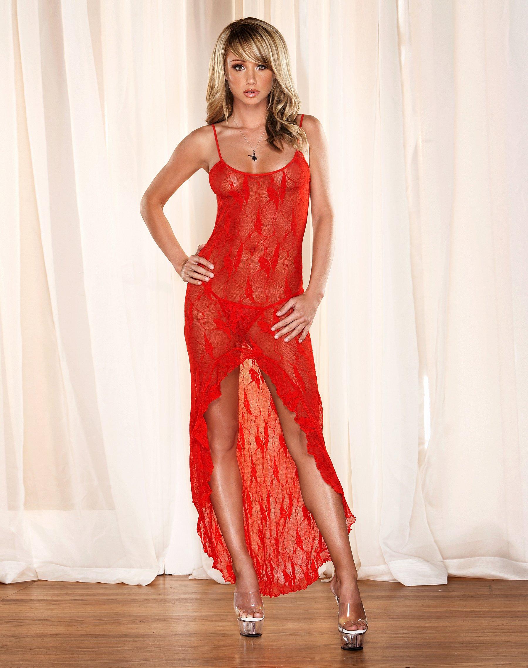 Трахает девочку в красном платье 17 фотография
