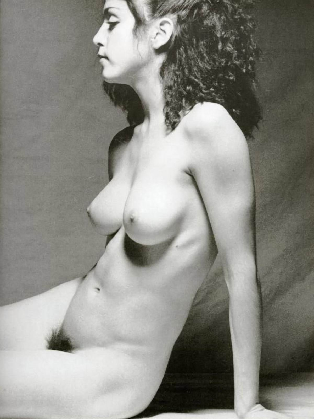 Фото юность голая 3 фотография