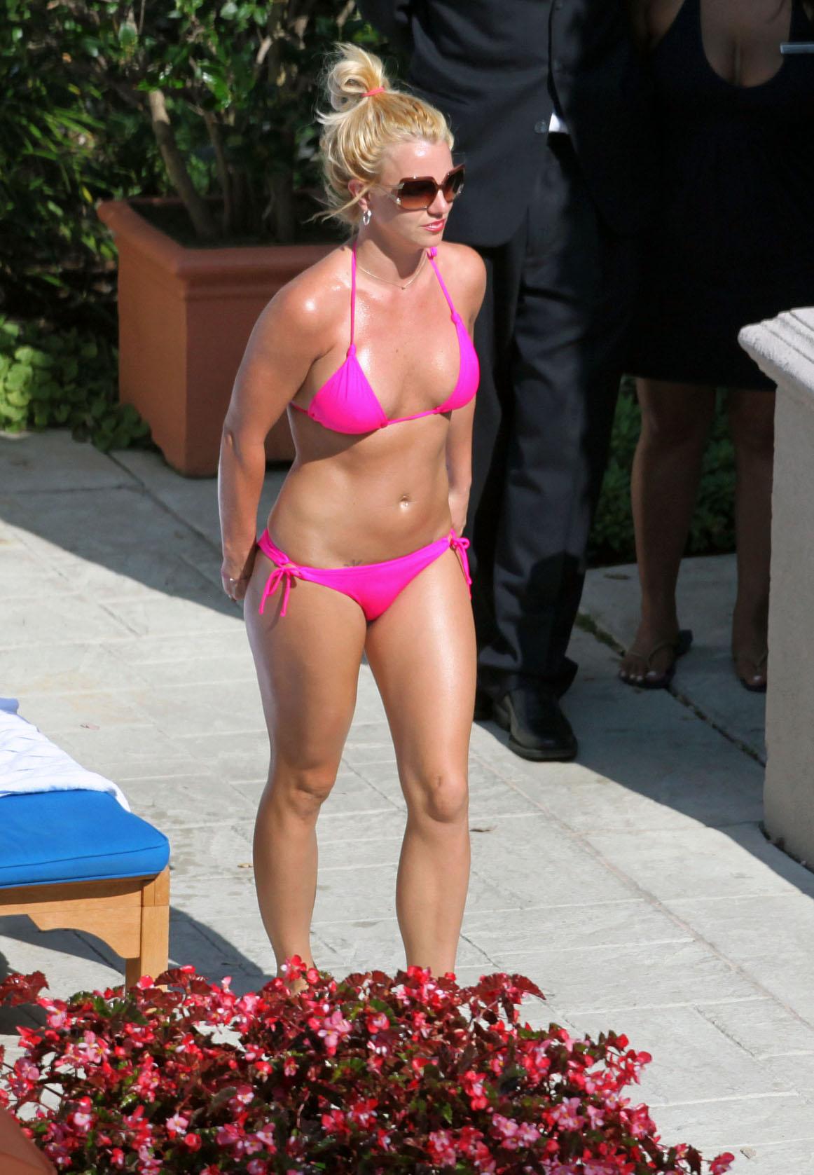 Bikini britney pic spear